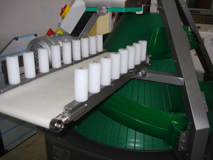 Masina conica pentru modelat rotund. Gramaj max. 3.900 g